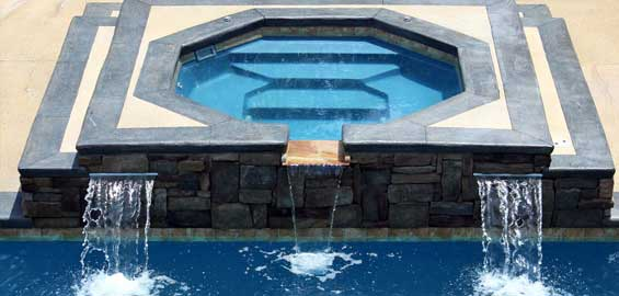 Swimming pool spa from Diamond Pools